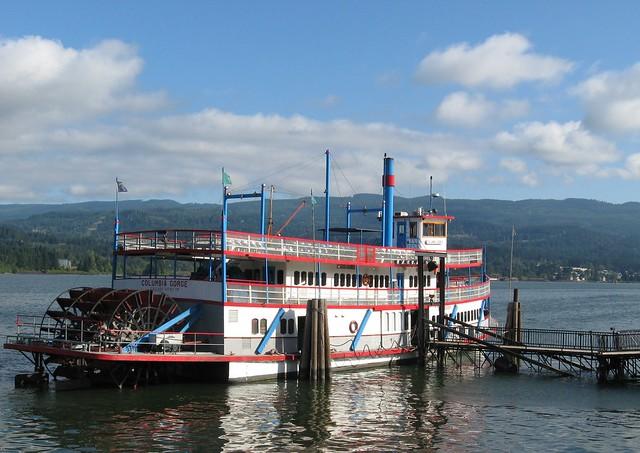 Riverboat at Cascade Locks