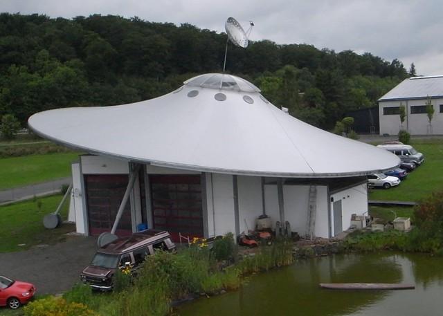 Ufo-Building