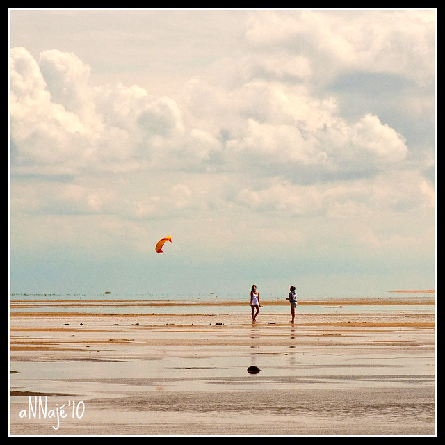 Romo: Two girls with a yellow kite (explored #214)