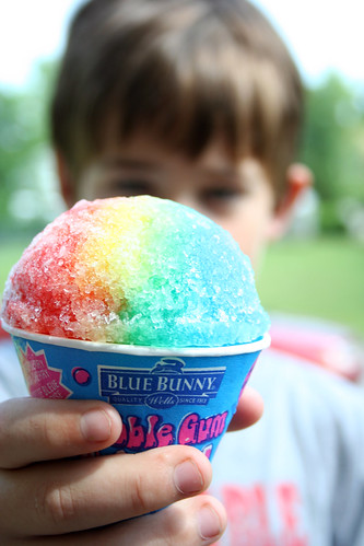 blue boy red bunny ice yellow digital canon gum paper point eos rebel xt rainbow focus view cone bokeh bubble sweets icee
