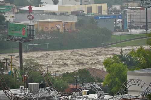 Huracán Alex en Monterrey 01-julio-2010-3