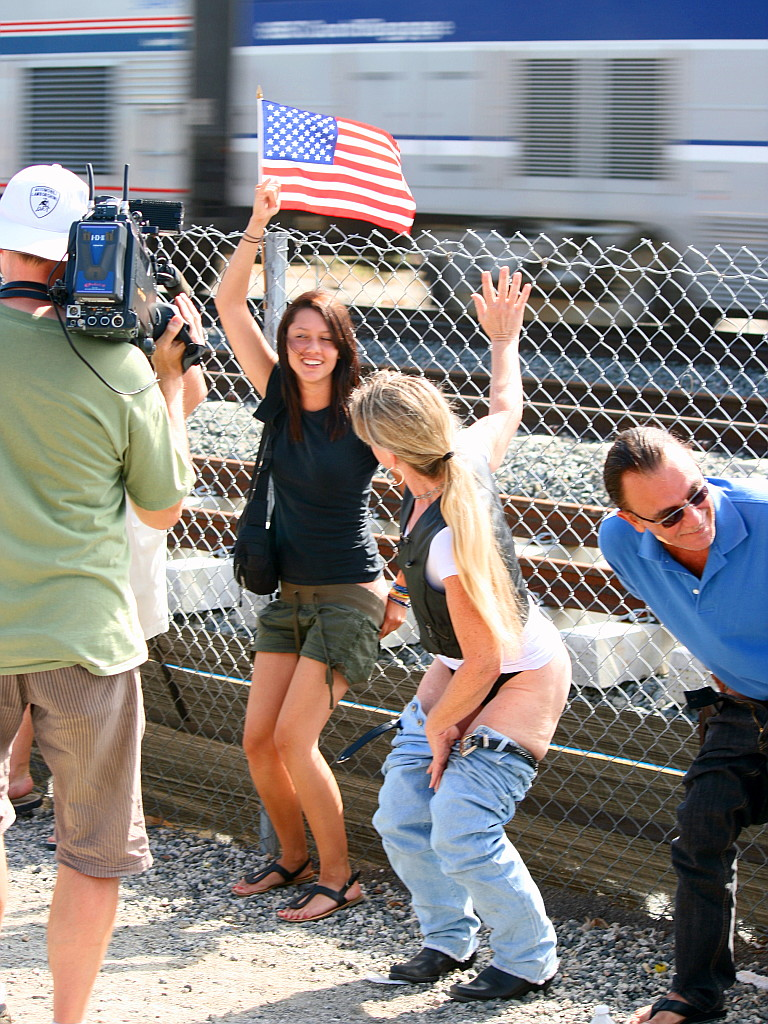 Amtrak Mooning Pictures mooning the amtrak, a source of national pride | the guy wit