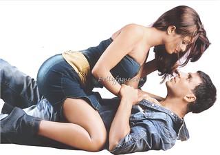 Priyanka chopra and akshay kumar hot