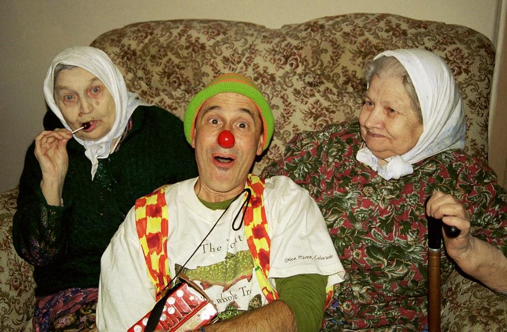 John Glick & Women 1(John Glick/Russia Clown Trip 2004)