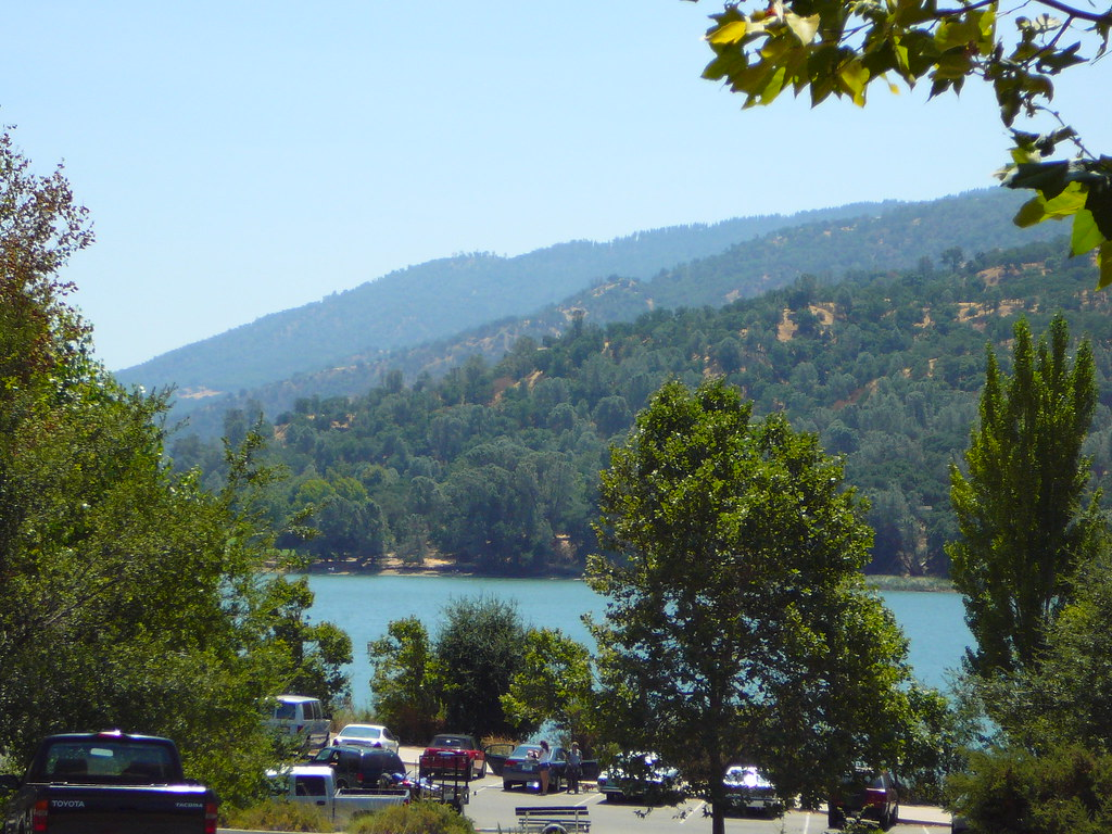 Lake Del Valle | Parking area near the boat launch | Ginny ...