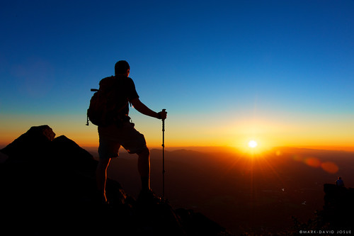 sunset silhouette landscape washington nikon mt pacific northwest si central peak hike trail cascades summit nikkor backpacker snoqualmie d700 markjosue