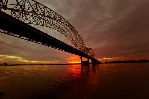 bridge sunset usa river unitedstates fav50 10 memphis tennessee unitedstatesofamerica fav20 mississippiriver arkansas fav30 newbridge hernandodesotobridge fav10 fav25 fav40 fav60 fav70 superfave