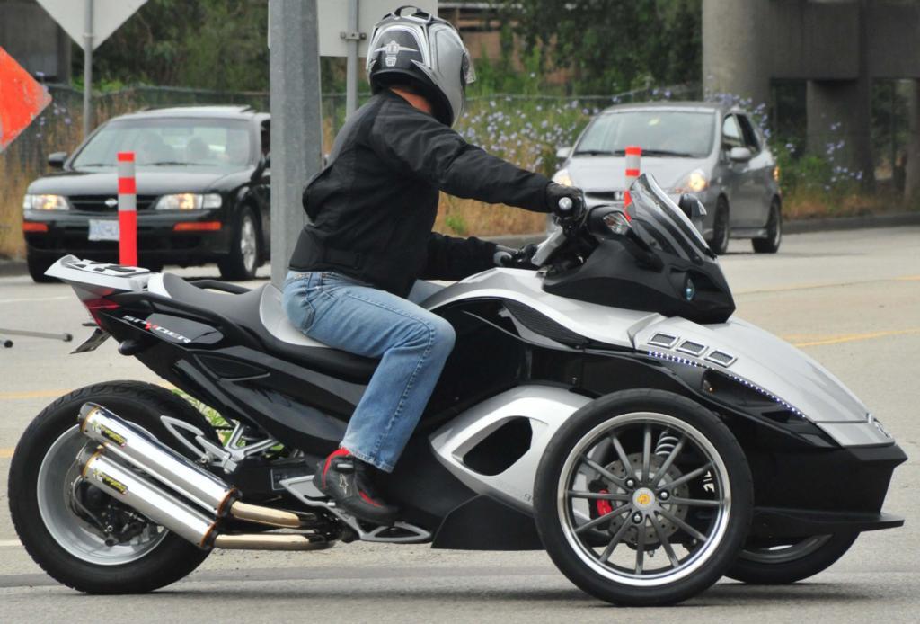 Can Am Spyder Roadster >> Brp Can Am Spyder Roadster The Can Am Spyder Spyder Is
