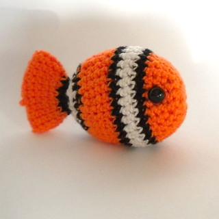 Crochet Fish Amigurumi: Clownfish - Free and quick pattern | 320x320