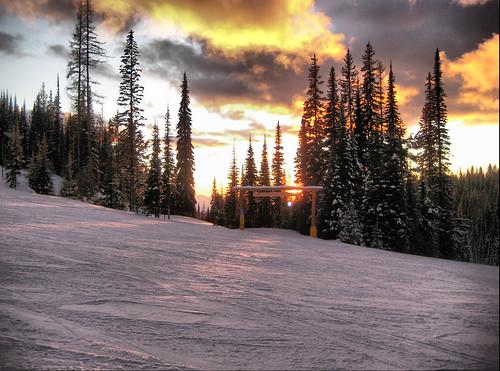 sunset mountain snow canada ski sign bc run columbia resort british nordic kelowna lantern spruce groomed silverstar