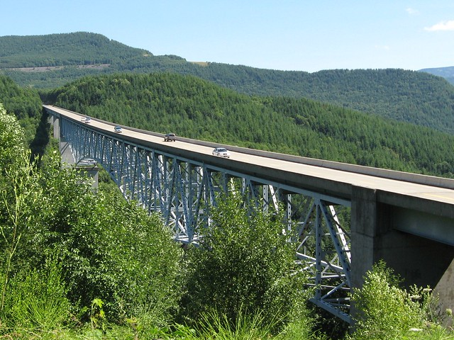 Bridge on the road to Mt St Helens
