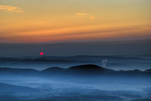 light sunrise dark vs hdr