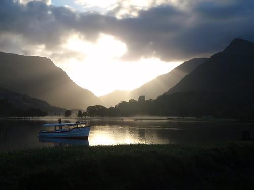 土, 2010-11-06 08:24 - Sunrise over Llyn Padam