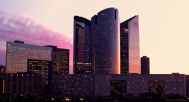 Société Générale Towers in the dusk - La défense - Paris