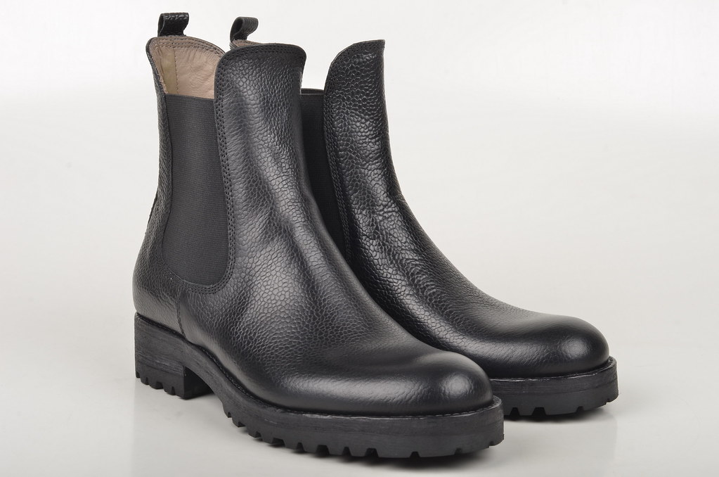 Corvari Chelsea-Boot D151 Kalbsleder schwarz (1)