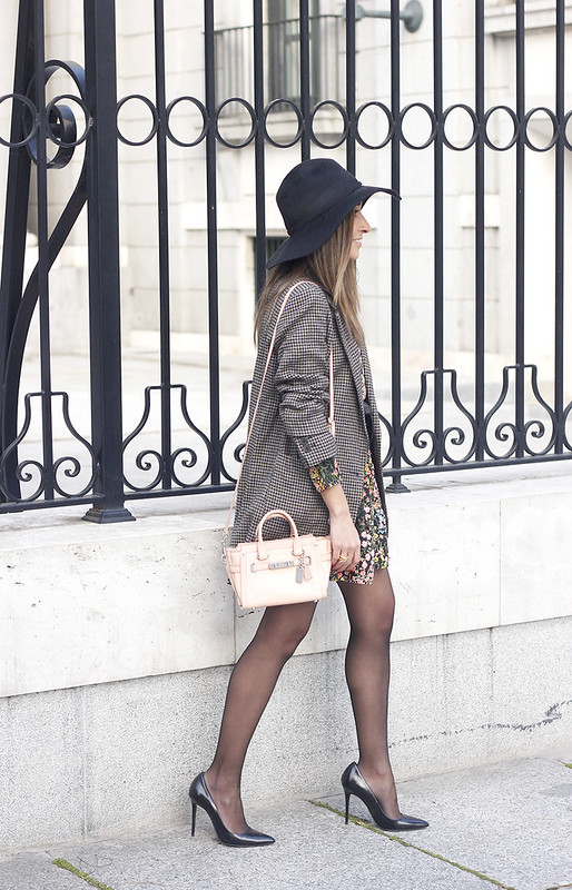 Flower dress blazer pink bag coach black hat accessories heels fashion style outfit02