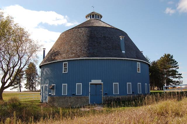 Minnesota, Chisago County, C. A. Moody Round Barn (2,210-3)