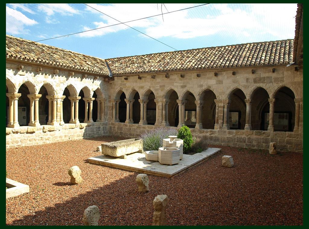 Castrojeriz (Burgos). Iglesia de San Juan. Claustro | Flickr