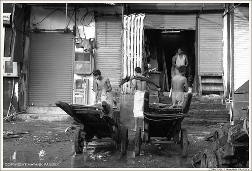 life bw india streets bread nikon streetphotography bombay mumbai earning thela livelihood handcarts mumbaistreets mayankpandey earningbread
