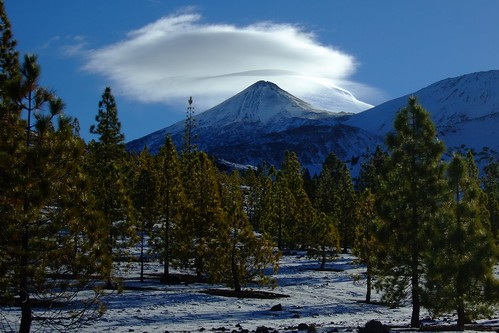Teide has a hat | by ebygomm