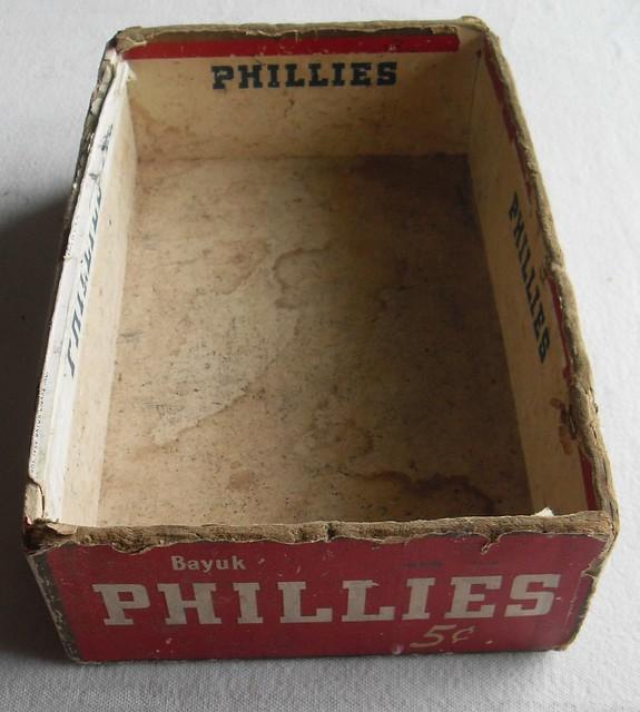 1950s PHILLIES Cigar Box Vintage 3