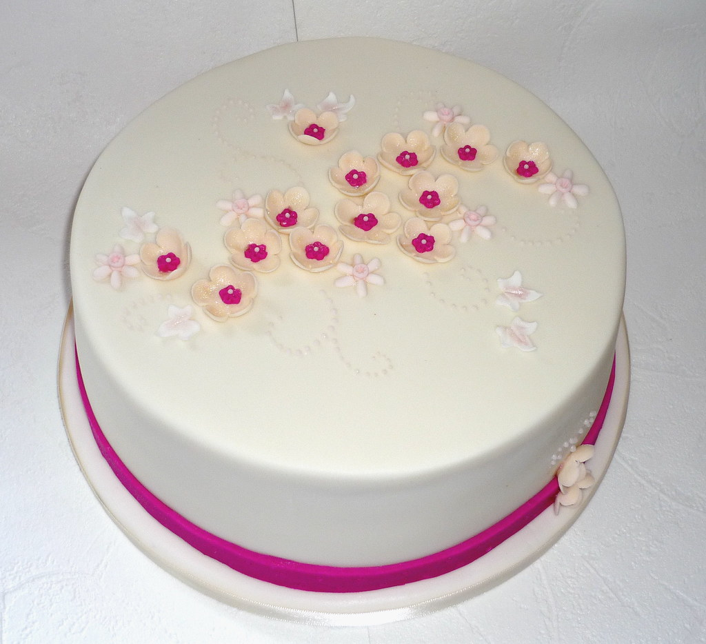 Magnificent Pretty Birthday Cake Sweet Sensations Cakes Flickr Personalised Birthday Cards Veneteletsinfo