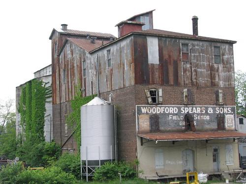 paris driving bluegrass kentucky bourbon ghostsigns bourboncounty nodestination