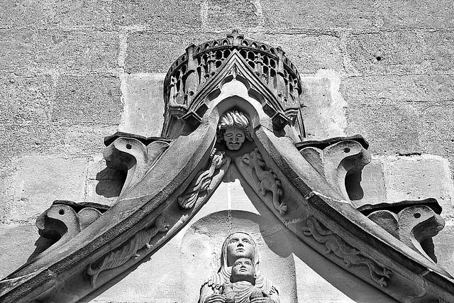 2 - 14 juillet 2010 Berneuil-sur-Aisne Portail de l'église