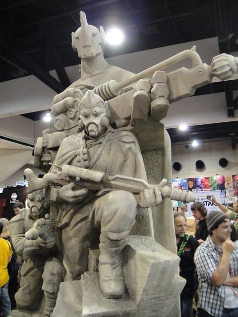 Comic-Con 2010 - Weta's Earth Elite Forces statue