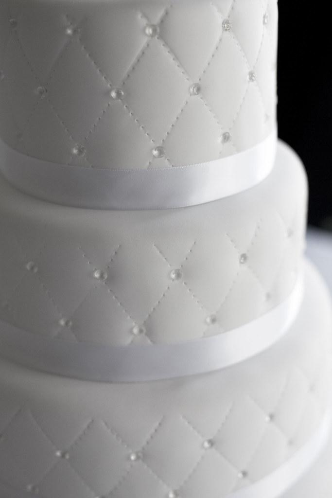 Diamond Cake   Quilted fondant with edible sugar diamonds ...