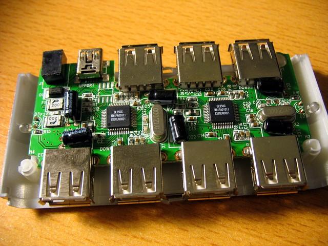 Belkin F5U700 USB hub PCB front