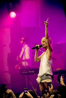 Samsung Mobile Free Show At Union Station - Metric | by h0usep1ant