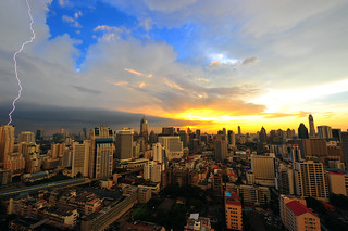 Electric Sunset - Bangkok | by DeeMakMak