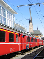 Když do hor tak do švýcarských, když do Švýcarska, tak vlakem. Nejlépe tím lůžkovým přes noc do Curychu. Pak s Rhätische Bahn do Davosu.