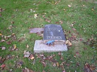 P1030731 - fallen down headstone