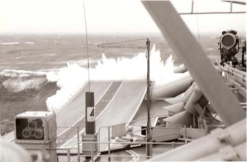 Exercise JET 1961: HMAS QUEENBOROUGH closes HMS HERMES and a
