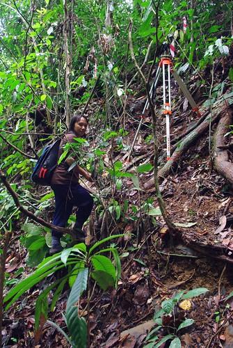 Thu, 02/25/2010 - 12:01 - Traversing. Credit: Min Sheng Khoo