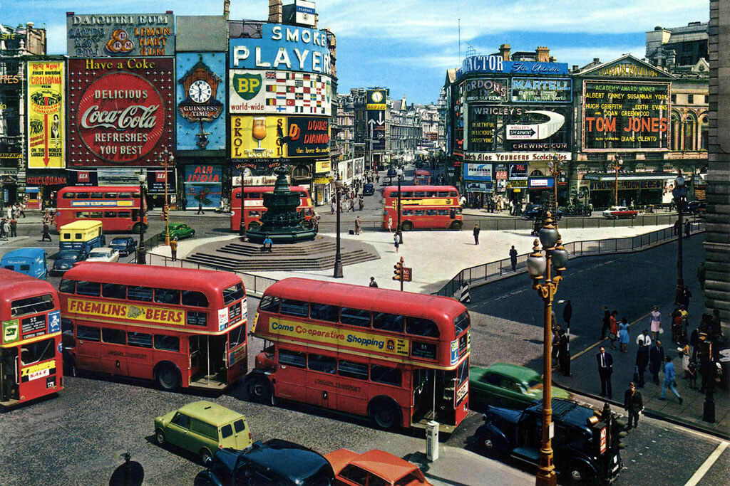 Piccadilly Circus in 1963