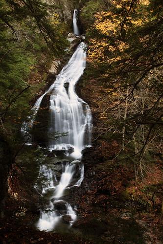 autumn waterfall vermont stowe mossglenfalls october2010