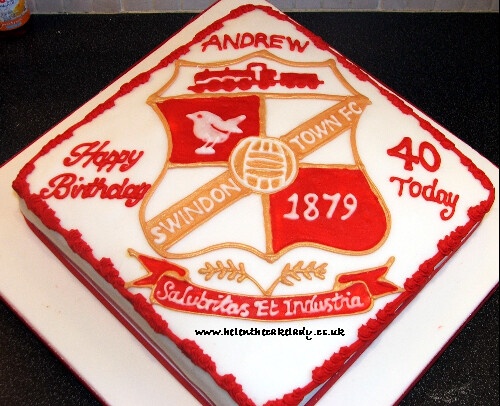 Swindon Town Fc A Cake For A Swindon Fc Fan Using The Club