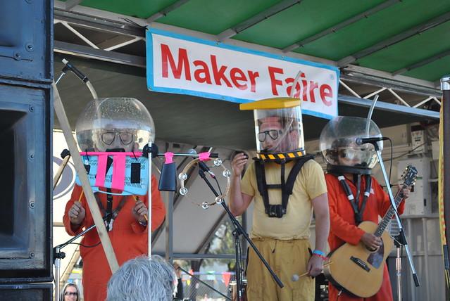 Maker Faire 2010: OK Go's Underwater Rock Show