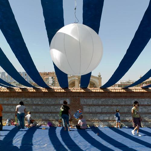 LaNocheDeLosNiños.org - intercambio de juguetes - cubierta tela | by ecosistema urbano