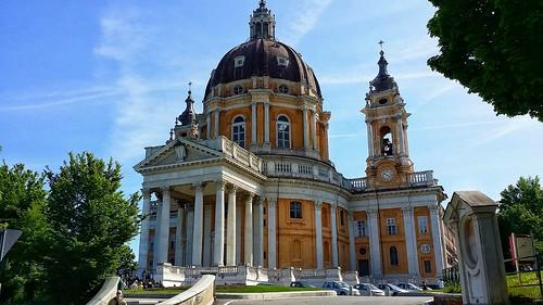 La basilica di Superga dietro il cui terrapieno, il 4 Maggio 1949 si schiantò l'aereo con a bordo il Grande Torino.