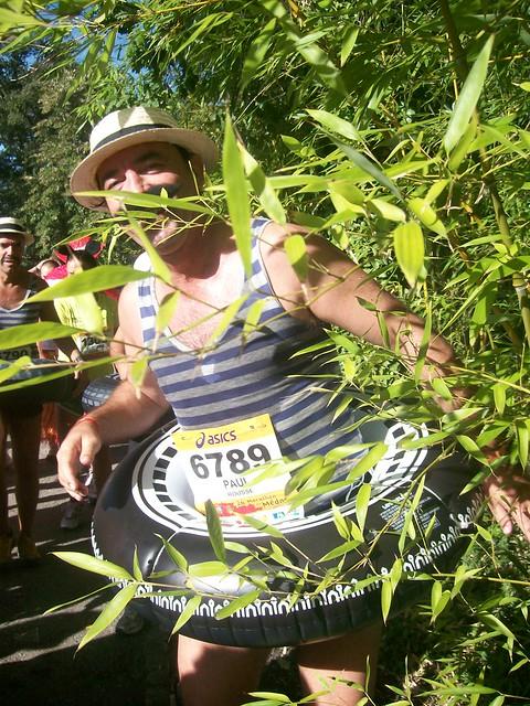 marathon du medoc 2010 : baigneur au bord de l'étang