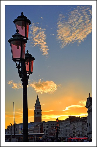 venice sunset sky panorama clouds landscape nikon tramonto nuvole cityscape cielo venezia sanmarco d5000 nikonflickraward nikond5000 jambojambo mygearandme mygearandmepremium mygearandmebronze mygearandmesilver mygearandmegold mygearandmeplatinum mygearandmediamond