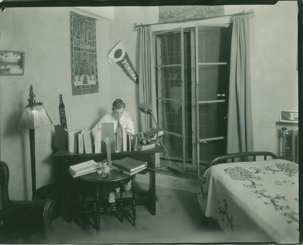 Dorm Room Inside Smiley Hall Pomona College Image Title Flickr