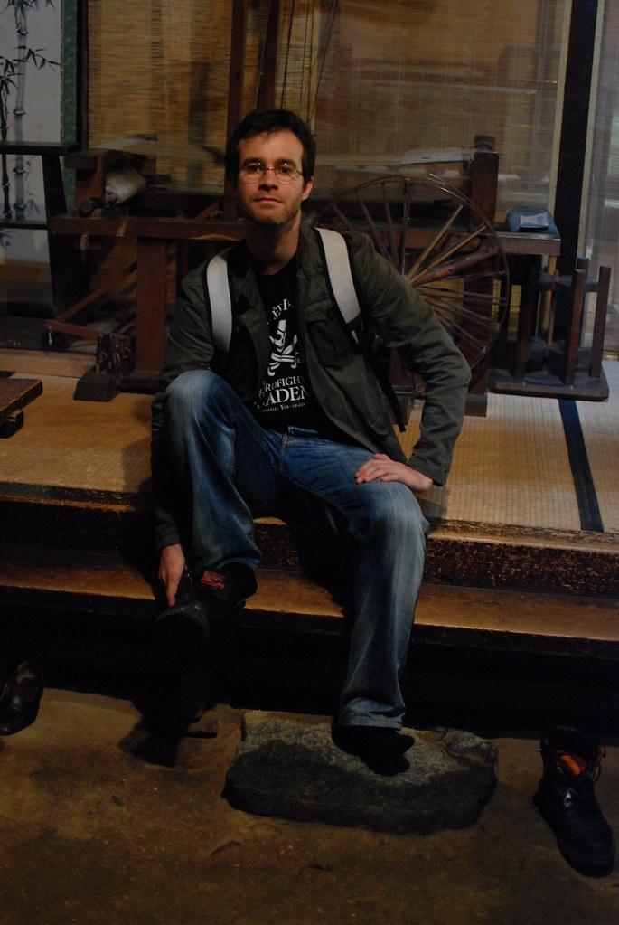 Pablo se vuelve a calzar las botas tras el paseo por un museo