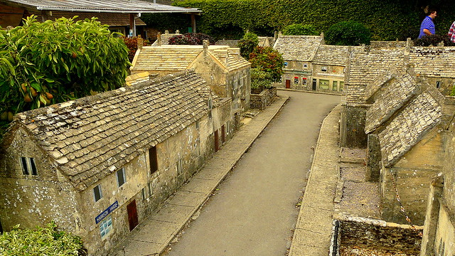 Bourton on the water model village 32
