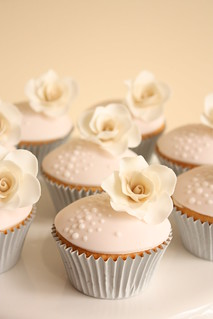Soft pink and cream vintage rose cupcakes