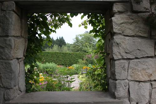 flowers summer window stone gardens canon bench botanical cloudy toledo 50d 24105f4l